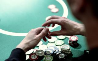 Play Poker And Domino Online With Ease